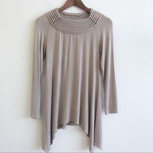 SOFT SURROUNDINGS Handkerchief Knotted Collar Top